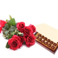 Simply-Roses-and-Chocolates